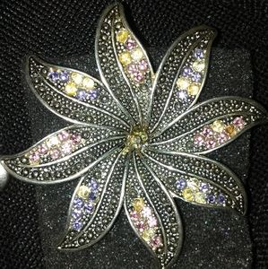 Flower Broach Pin